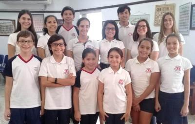 Estudiantes con Media Beca Académica